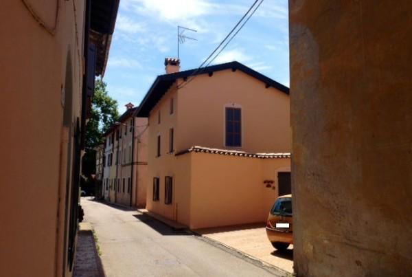 Pittura esterno casa interesting colori per case esterne - Pittura esterna casa ...